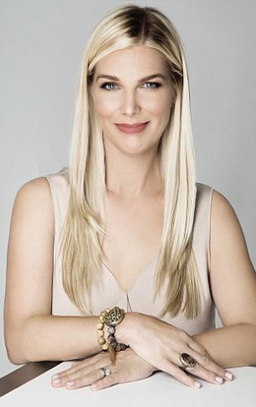 漂亮的 Laura